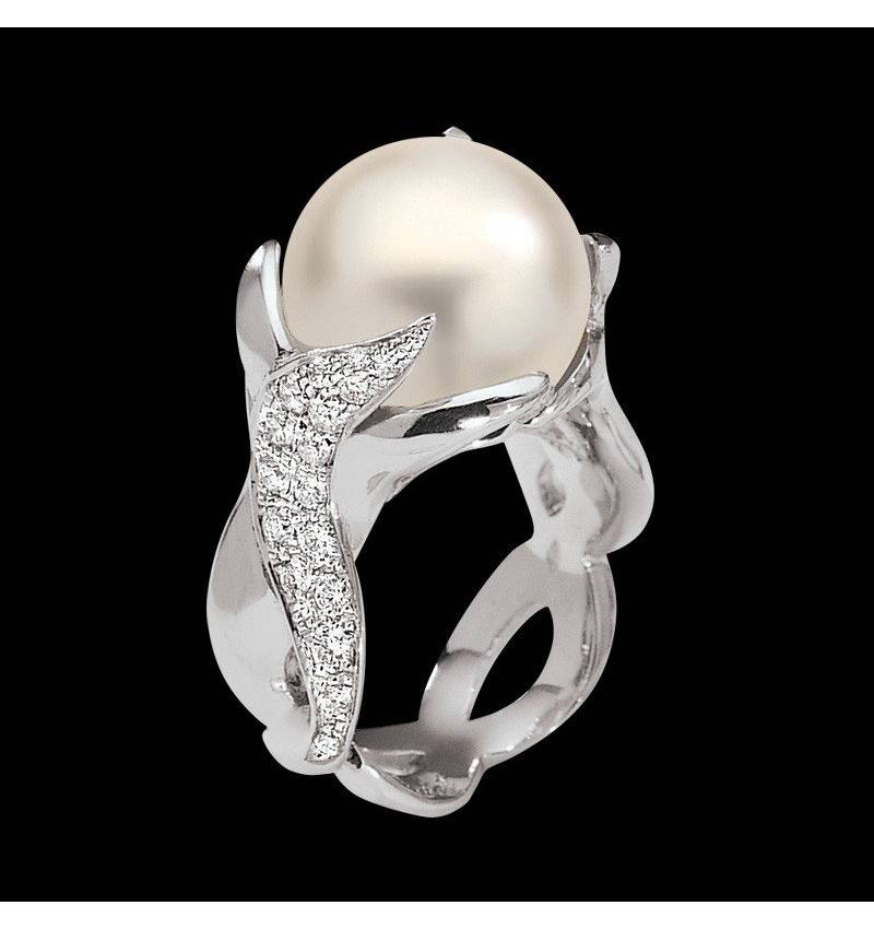 White Pearl Engagement Ring White Gold Naïade
