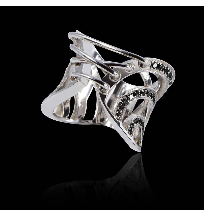 Black Diamond Engagement Ring White Gold Guêpière