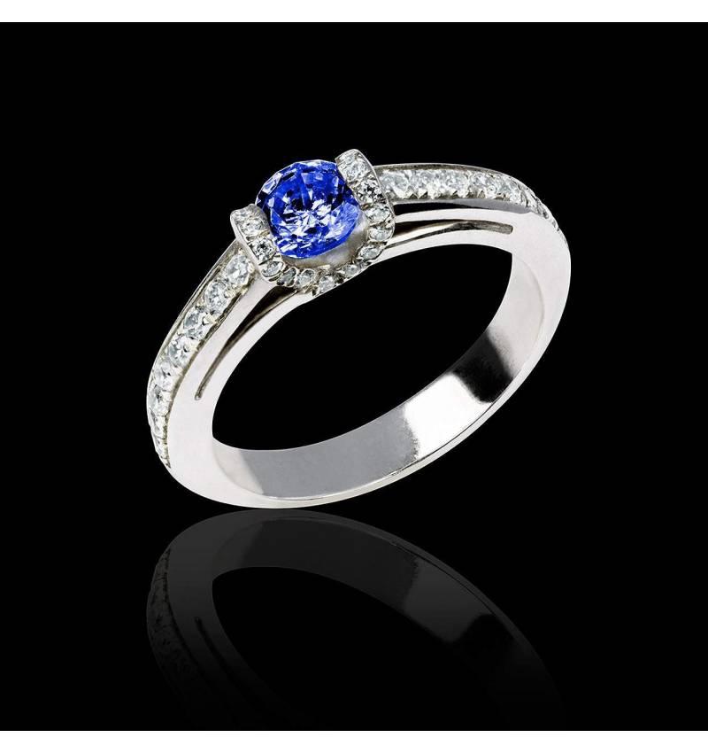 Blue sapphire engagement ring diamond paving white gold Hera