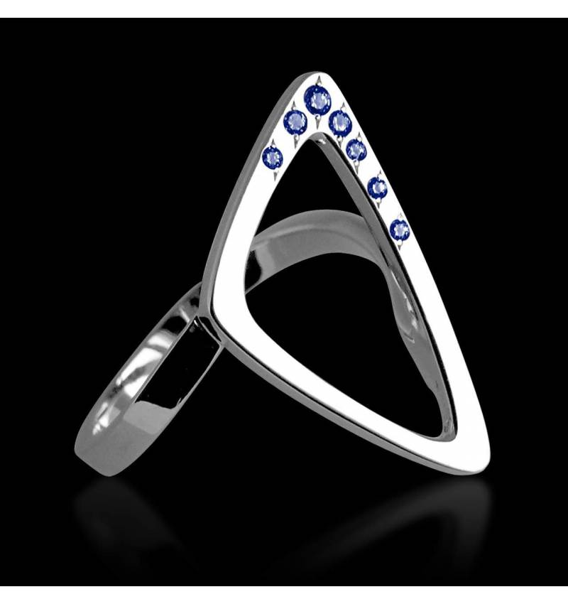 Blue Sapphire Ring White Gold Triangle