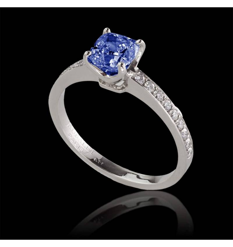 Blue sapphire engagement ring diamond paving white gold Sandy