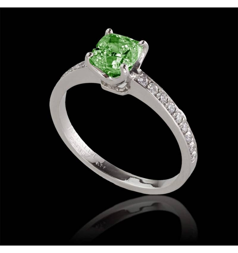 Emerald engagement ring diamond paving white gold Sandy