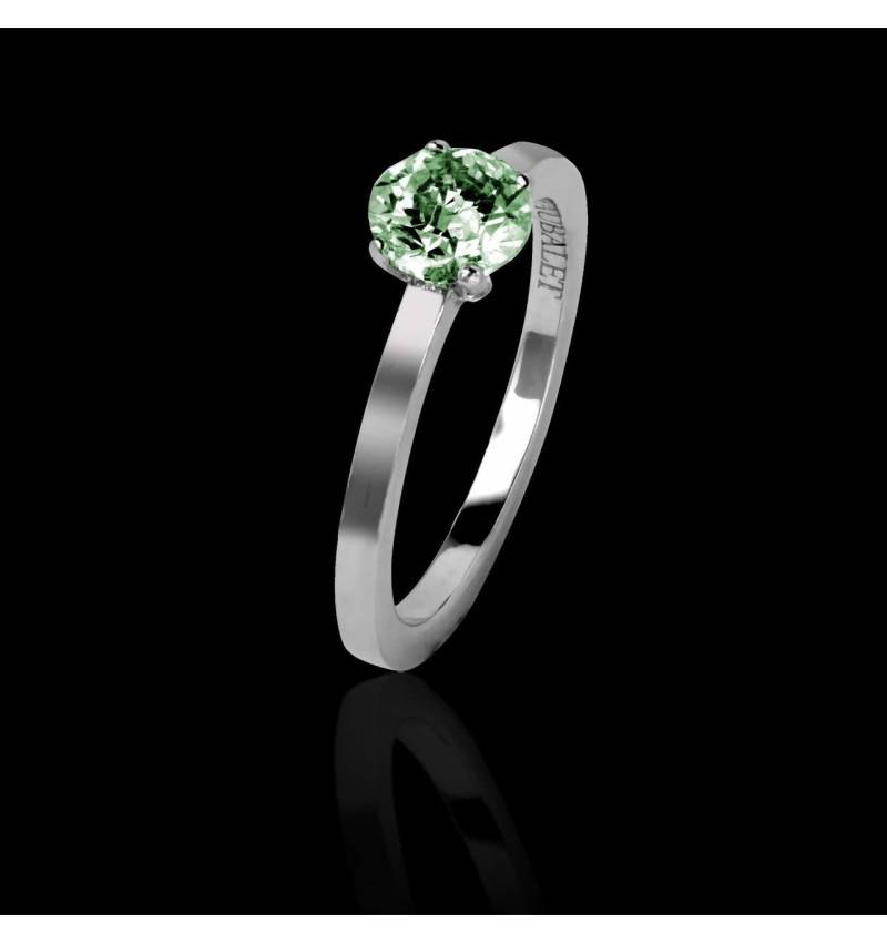 Emerald engagement ring white gold Judith solo