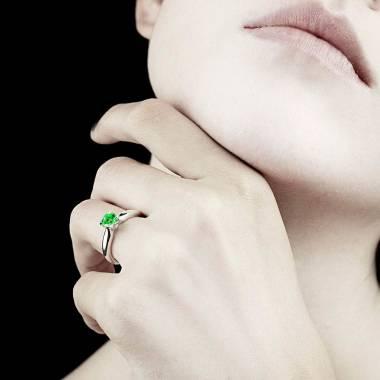 Emerald engagement ring white gold Motherhood