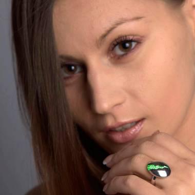 Engagement Ring Emerald Paving White Gold Quake