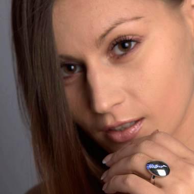 Engagement Ring Blue sapphire Paving White Gold Quake