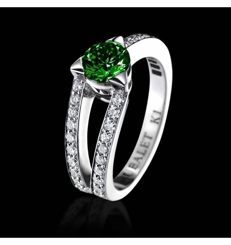 Emerald Engagement Ring White Gold Round Plena Luna
