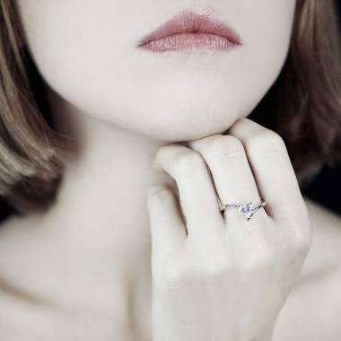 Serpentine Heart Diamond Ring