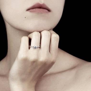 Noemie Diamond Ring