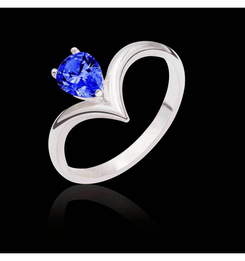 Flavie solo Blue Sapphire Ring