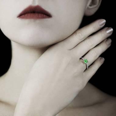 Manon Emerald Ring