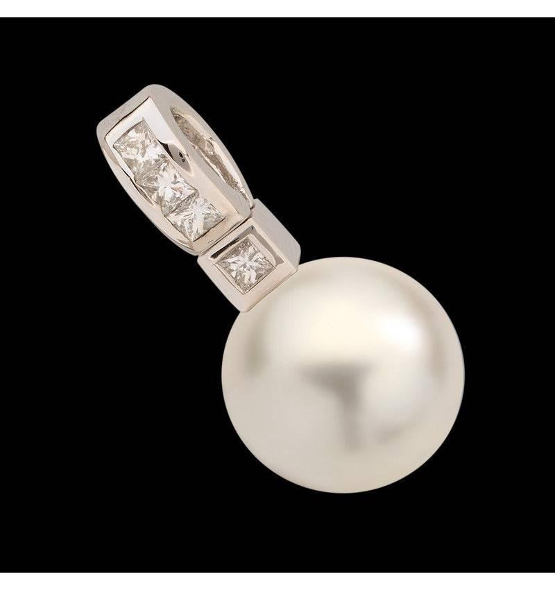 White Pearl Pendant Gold Princess Bora Bora