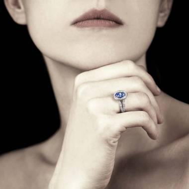 Bague saphir bleu ovale Sarah