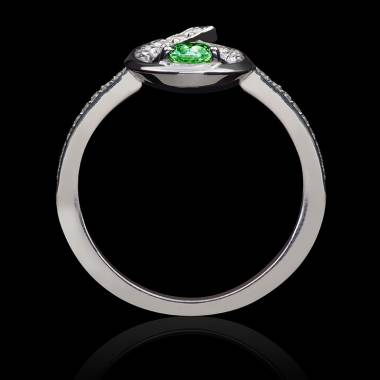 Flamme Emerald Ring