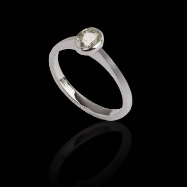Oval diamond engagement ring white gold Moon solo